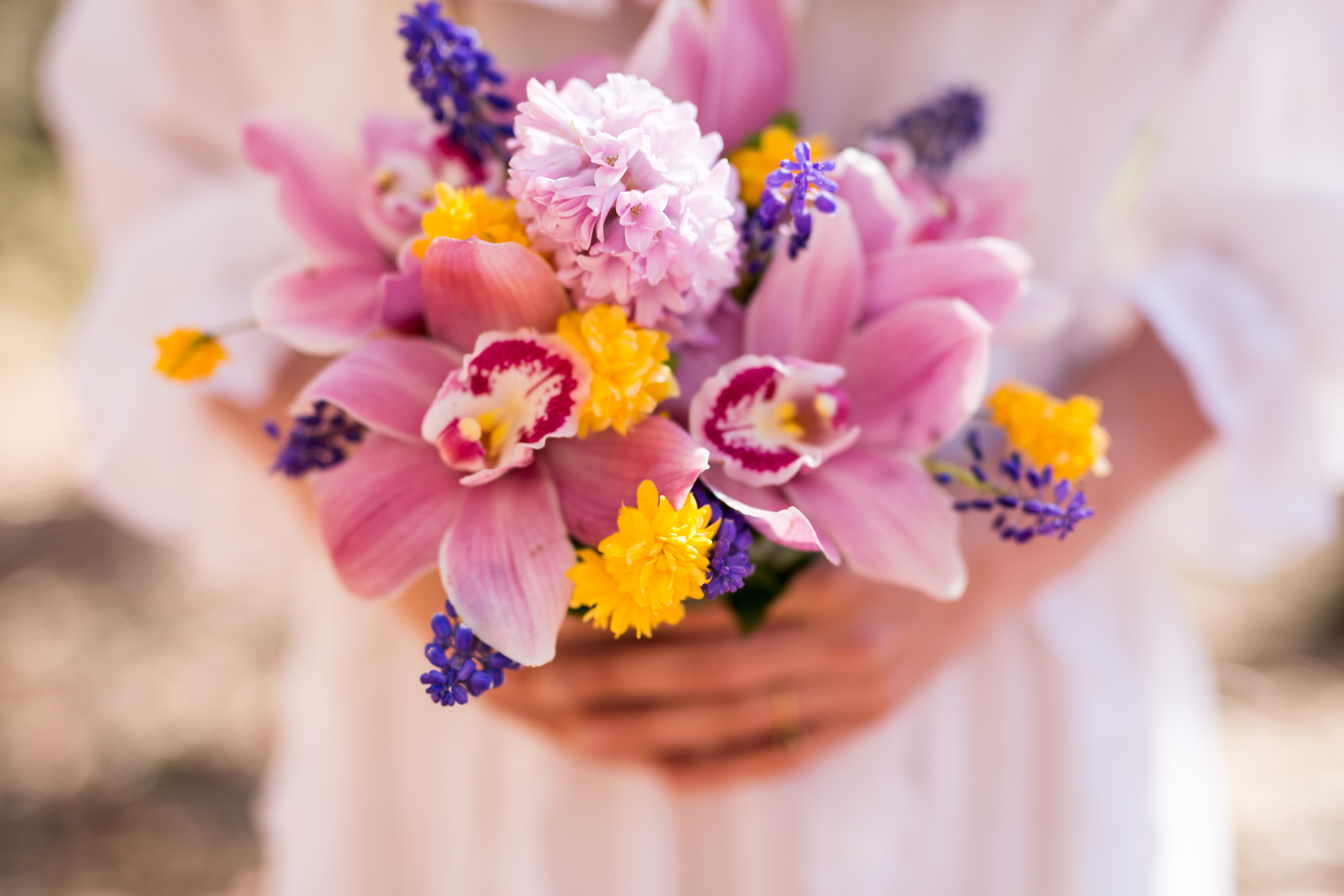 alternative nature weddings   Floral to a T